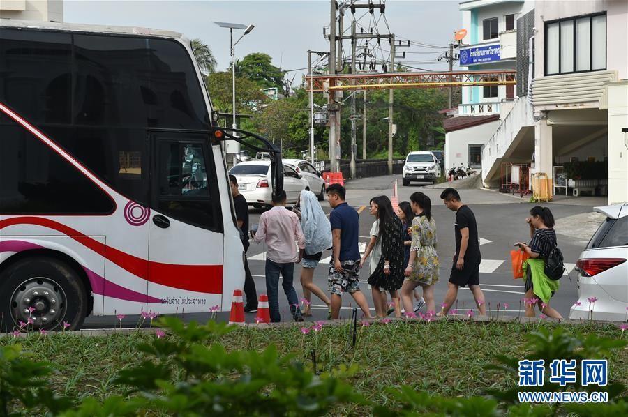 在泰国受伤的中国游客无生命危险 部分游客将按计划返回国内