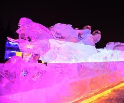 近30米长龙冰灯亮相长春