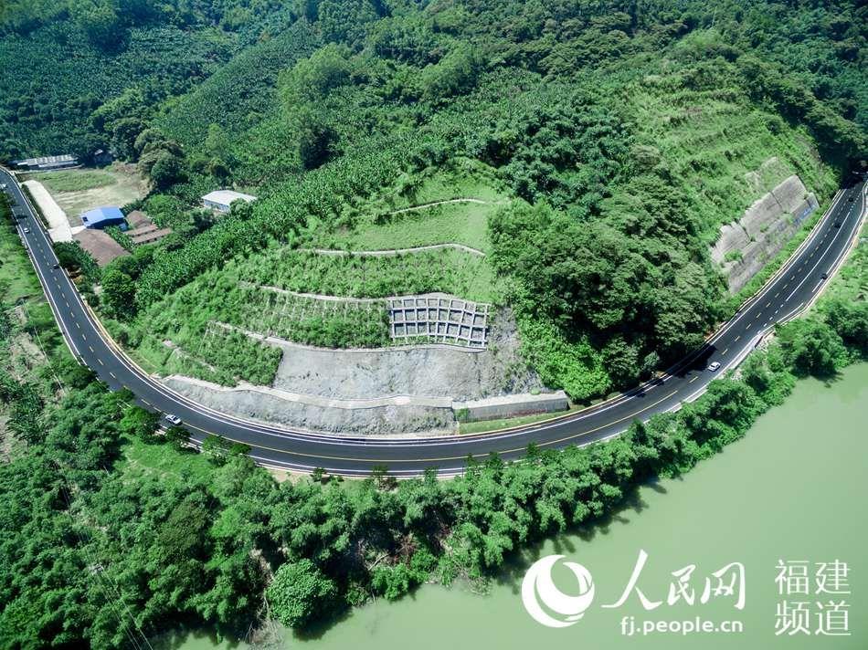 福建生态公路靓丽风景