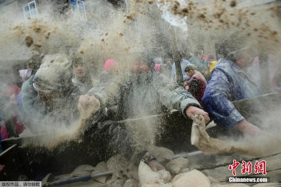 西班牙狂欢面粉大战