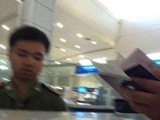 """收取中国游客""""小费"""" 4名泰国移民官员遭降职"""