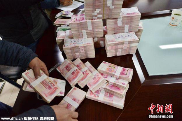 31省份最低工资排名:上海2420元为全国最高