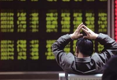 A股重演近千股跌停:沪指创近4年新低,创业板指跌逾6%