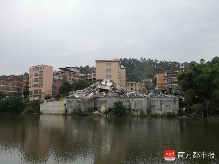 出动300多人!广州一6层湖景豪宅被强拆