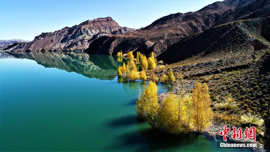 航拍甘肃肃南隆畅河畔