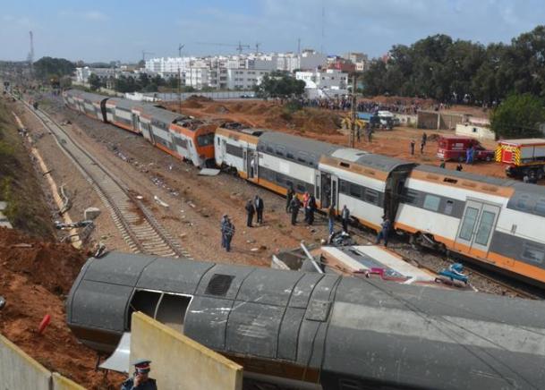 摩洛哥发生火车脱轨