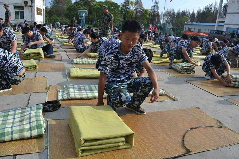 军事训练营_广东首届学生军事训练营开营 176名高中生参训