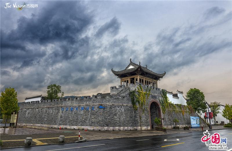 """1400年历史的水下古城""""文渊狮城""""重见天日"""