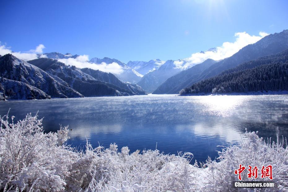 新疆天山天池大雪初晴