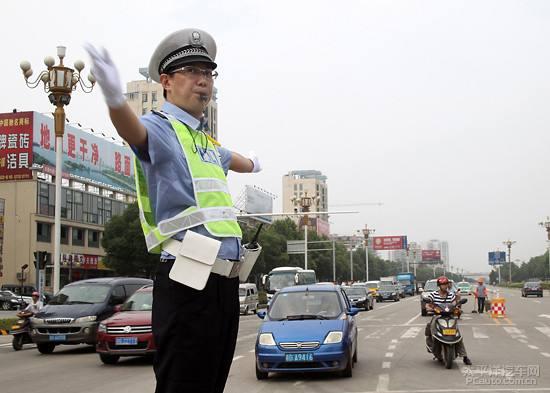 各驾驶员请注意!市区这些路段将实施临时交通管制