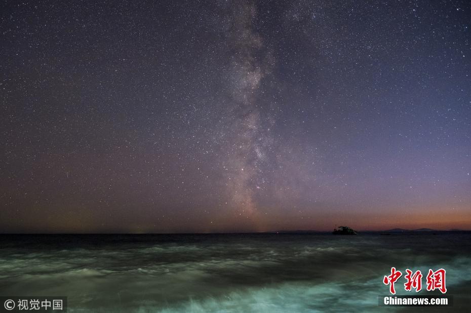中俄界湖兴凯湖上空星光灿烂