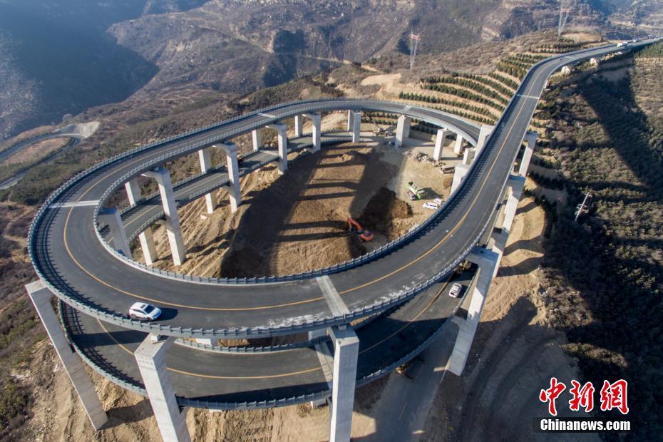 太原现过山车式高架桥