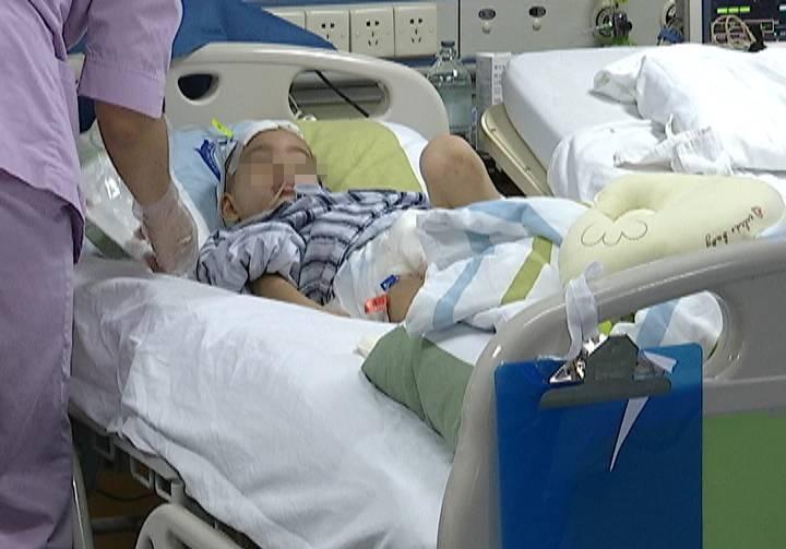 求助!5岁男童上学途中遇车祸 至今仍在重症监护室抢救