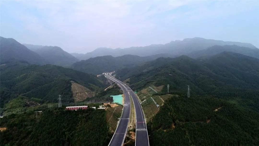 武深高速广东段月底全线贯通