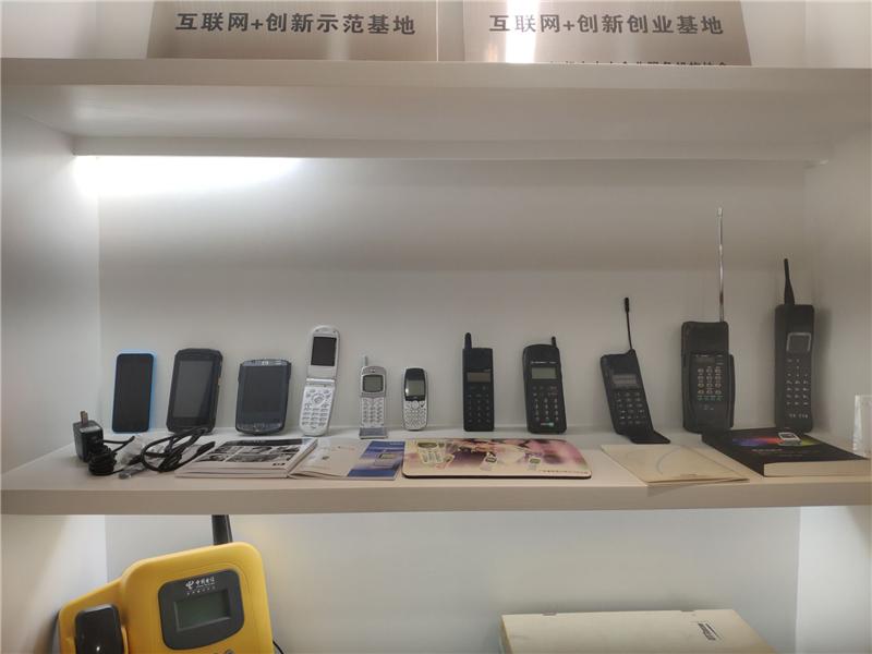 通讯工具的变迁:从手摇电话到5G时代