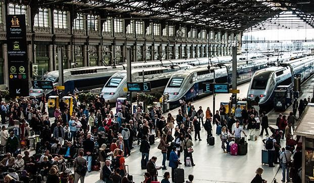 广铁昨日发送旅客60万人次 探亲旅游成节后主要客流