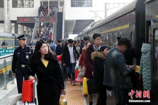 铁路客流持续回升 今日预计发送旅客902万人次