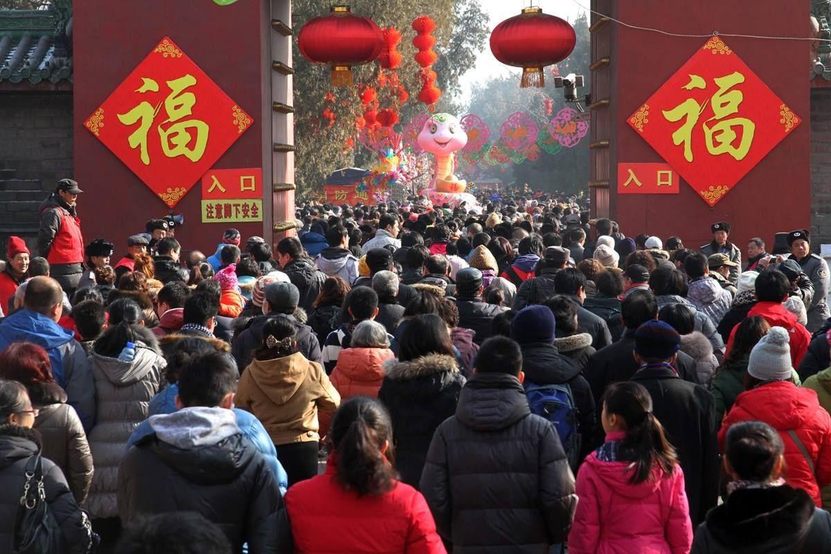 """年初四广东111个景区""""揽金""""2.56亿元 同比增11.9%"""