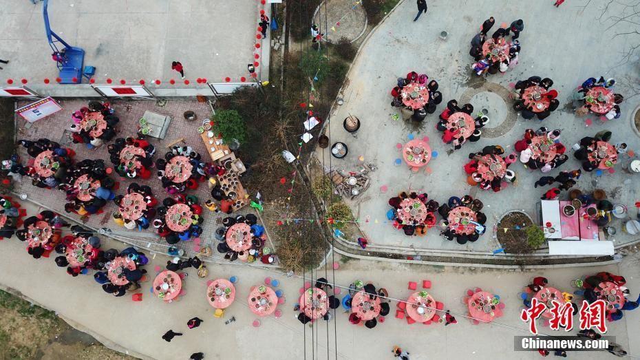 广西摆两百余桌开年宴