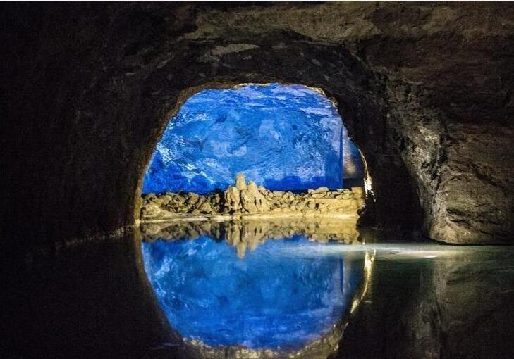 欧洲最大地下湖美如画 堪比梦幻王国