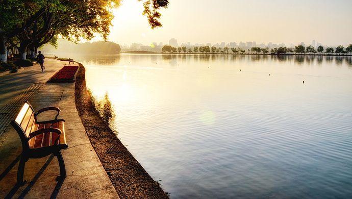 广东将全面建立湖长制 四级双总河长或任总湖长