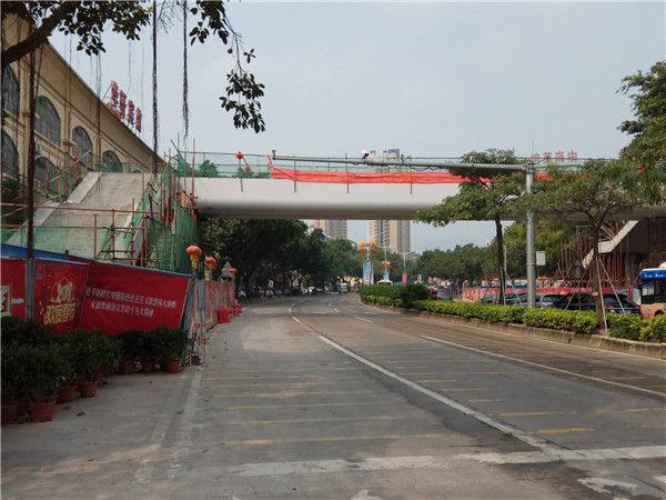 蓬江区龙湾路人行天桥预计5月竣工