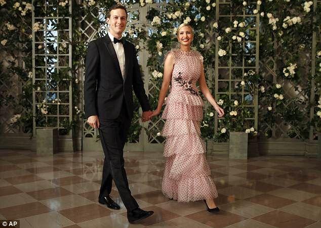 特朗普设宴款待法国总统马克龙 女儿伊万卡一袭长裙抢尽风头