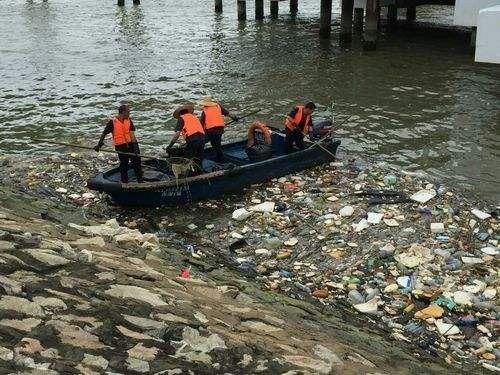 珠海破获全国首宗涉刑海上倾倒垃圾污染环境案