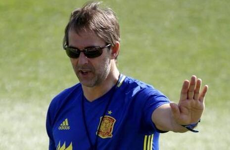 西班牙宣布主教练下课