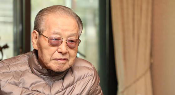 韩国前总理金钟泌去世 享年92岁