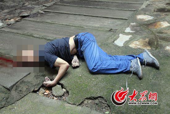 警方在义乌街头拦下一辆车 车厢内居然有一 具男尸