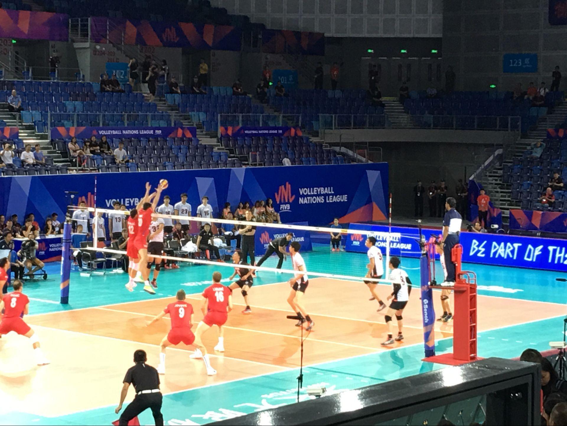 世界男排联赛江门站:塞尔维亚队3-1战胜日本队