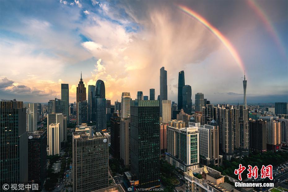 广州雨后天空出现双彩虹 美景沁人心脾
