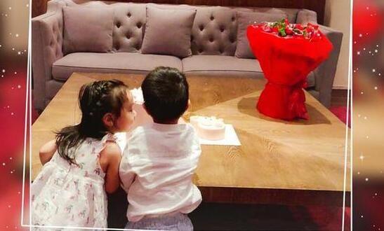 """小酒窝""""坐在一起庆祝生日的背影照,两位小朋友挨在一起看上去十分温馨"""