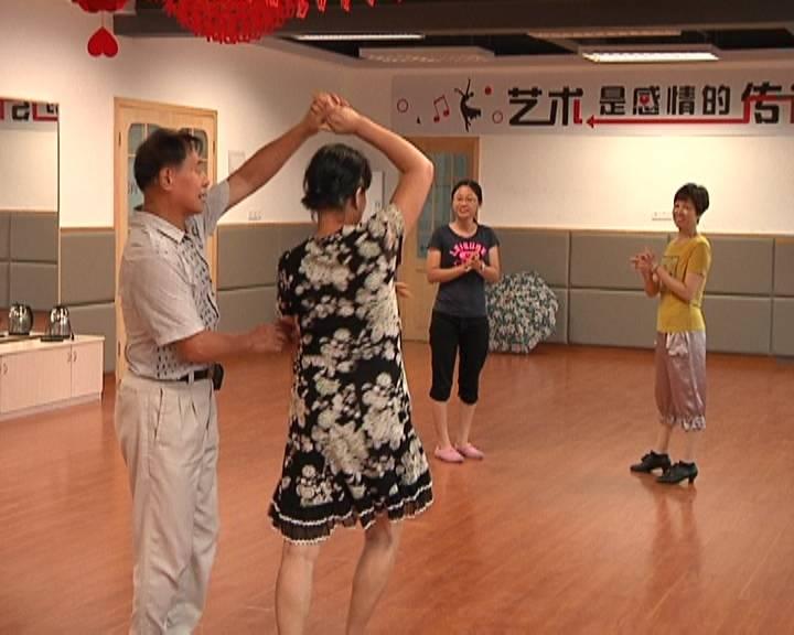 《创文观察》蓬江区天福社区贴心服务暖民心
