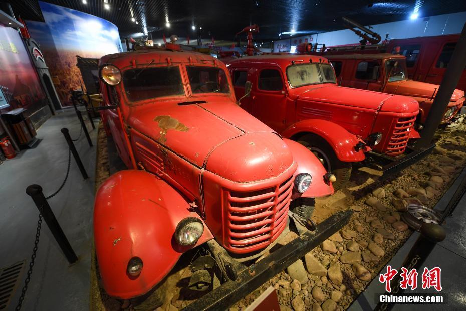 探访太原老汽车博物馆 令观众大开眼界