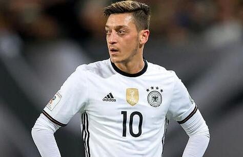 曝厄齐尔将退出德国队