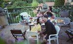 黄磊撇儿子一家四口法国度假 仍不忘下厨做美食