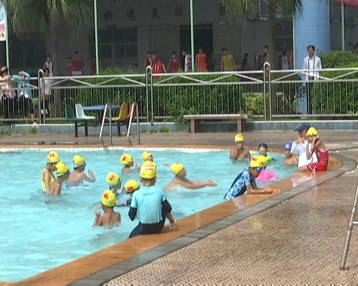 今年暑期游泳培训班报名火爆