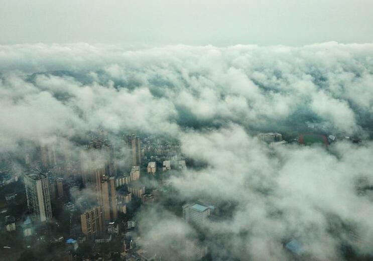 """四川乐山多日降雨 现""""雾海""""景观"""