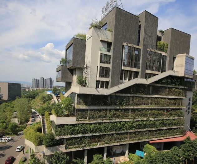 """重庆建筑穿上""""植被"""""""