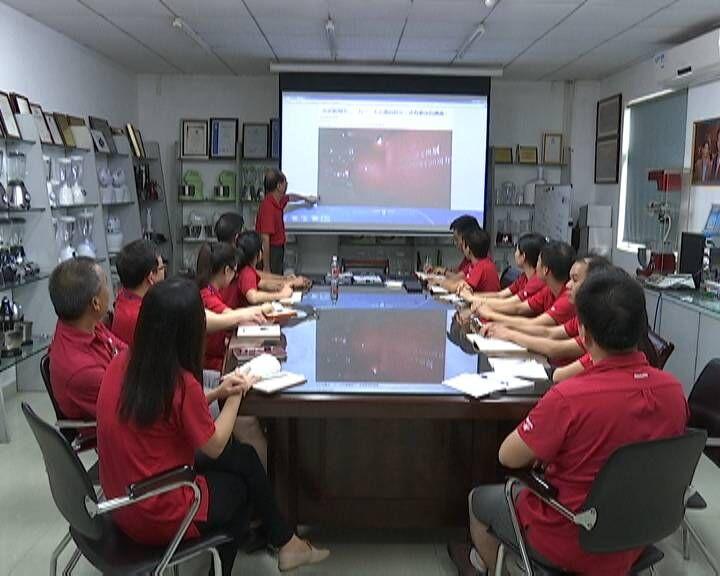 """竞晖电器公司党支部: 创设""""党员责任岗""""凸显党员先进性"""