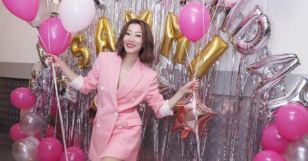 郑秀文46岁生日当天办音乐会 全场歌迷合唱帮庆生