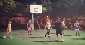 周杰伦和昆凌组队打篮球狂撒狗粮 夫妻俩默契程度满分