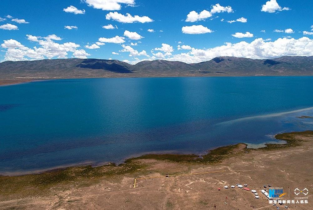 航拍青海阿拉克湖 色彩斑斓美如画