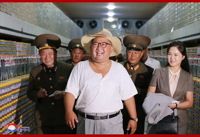 金正恩视察海鲜酱工厂赞真令人眼馋