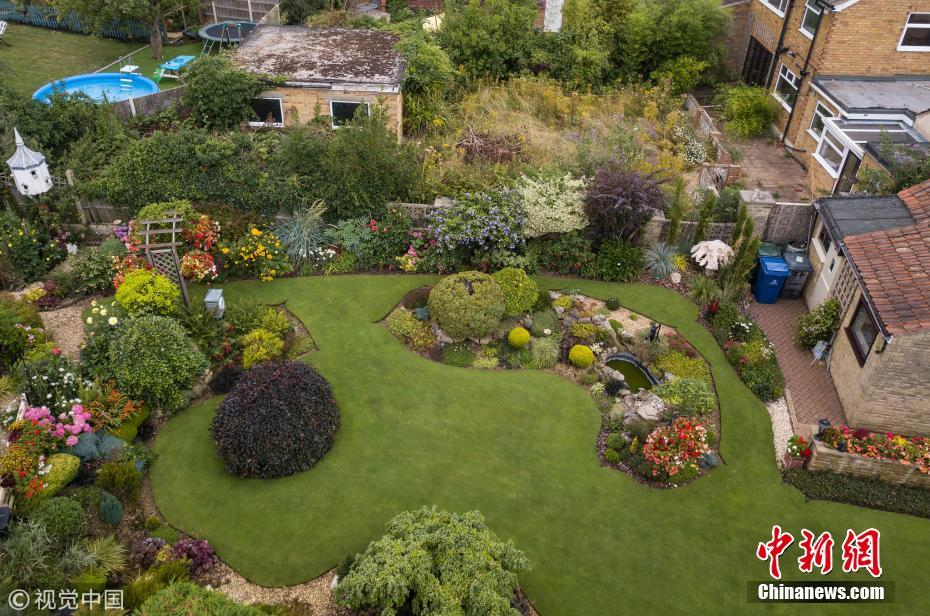 老人打造全英第一花园