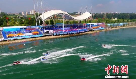摩托艇队齐聚丹江口