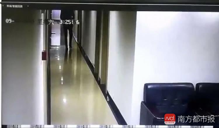 深圳一男子借用公寓总卡 刷开多名女邻居房间