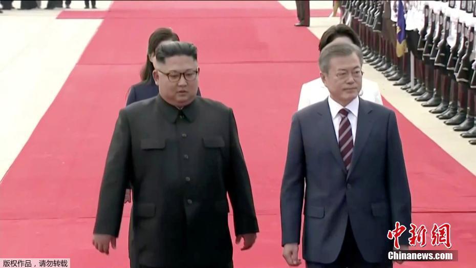 韩总统文在寅抵达平壤